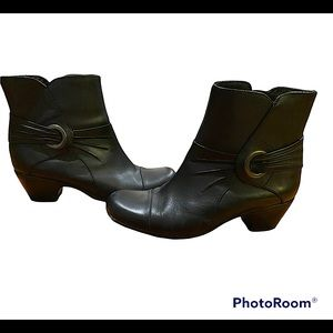 New Leather Black Clark Booties size 6